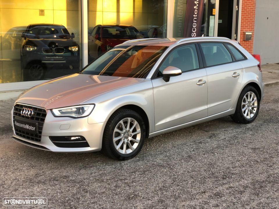 Audi A3 Sportback 1.6 Tdi 105cv Attraction - 1