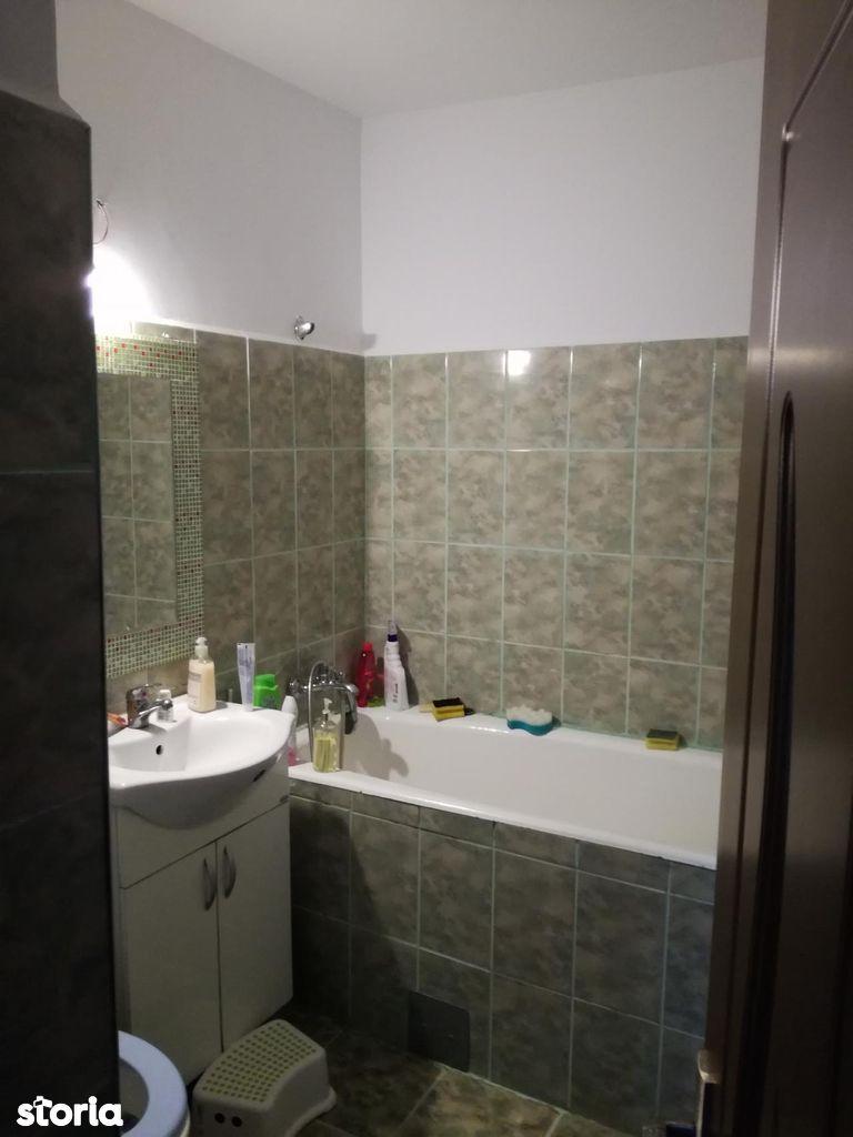 Apartament de vanzare, Vâlcea (judet), Nord - Foto 4