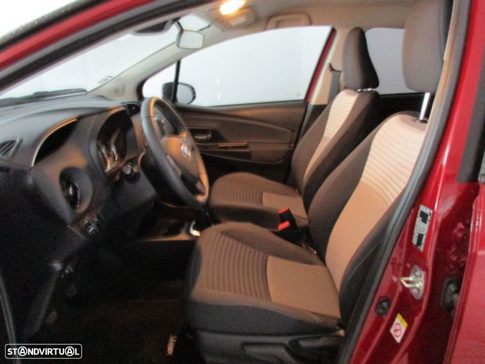 Toyota Yaris 1.0 5P SQUARE Collection - 11