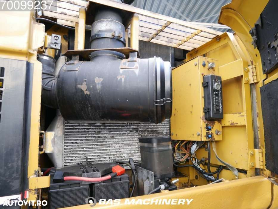 Cat 330CL Nice and clean machine - 2