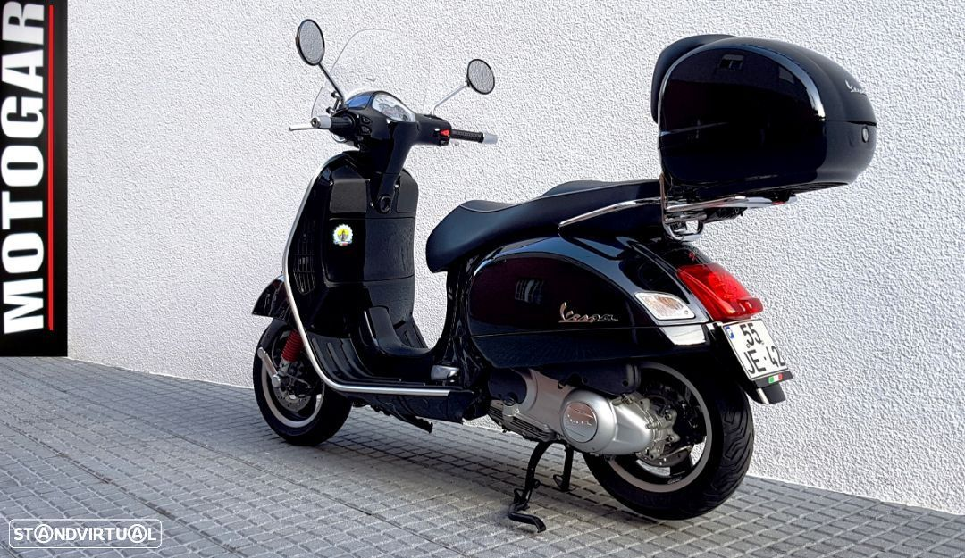 Vespa GTS Super 300 ie - 10