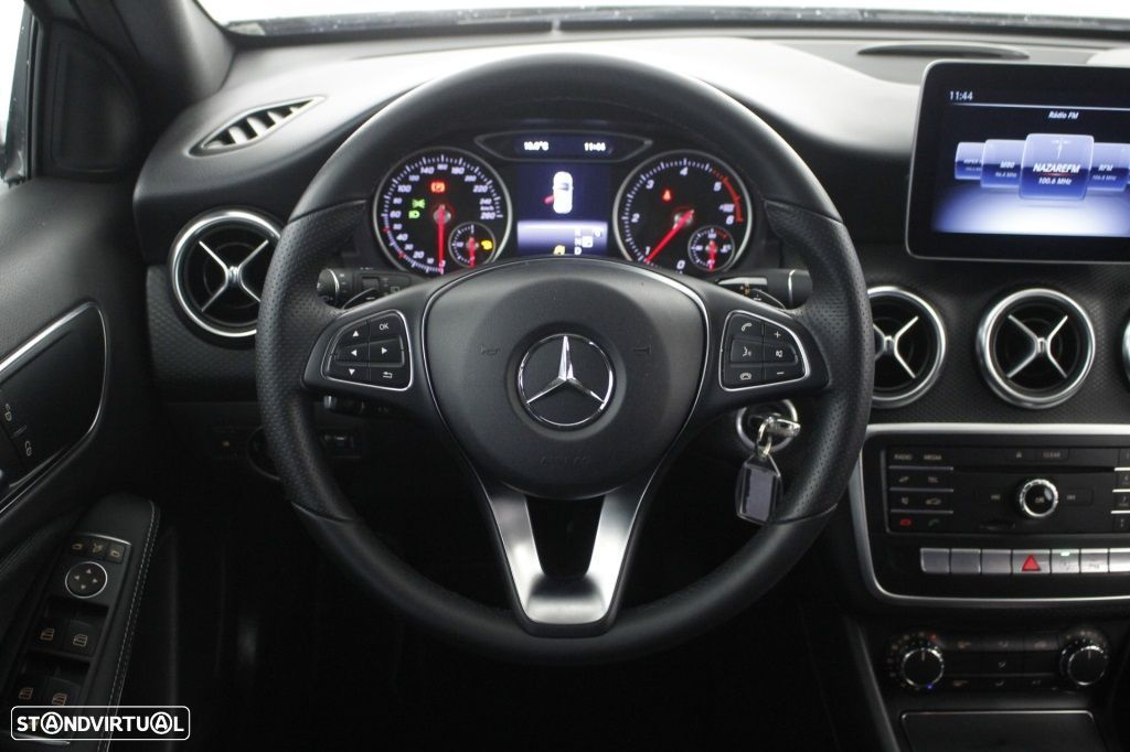 Mercedes-Benz A 180 CDi Final Edition Cx. Aut. - 19