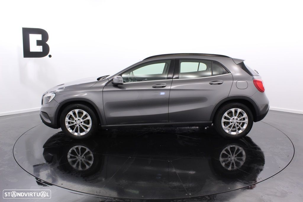 Mercedes-Benz GLA 180 Sport Utility Vehicle Style - 3