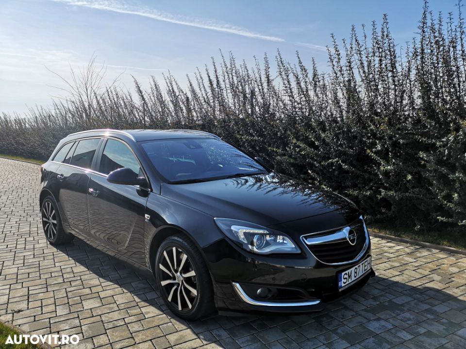 Opel Insignia COUNTRY - 10