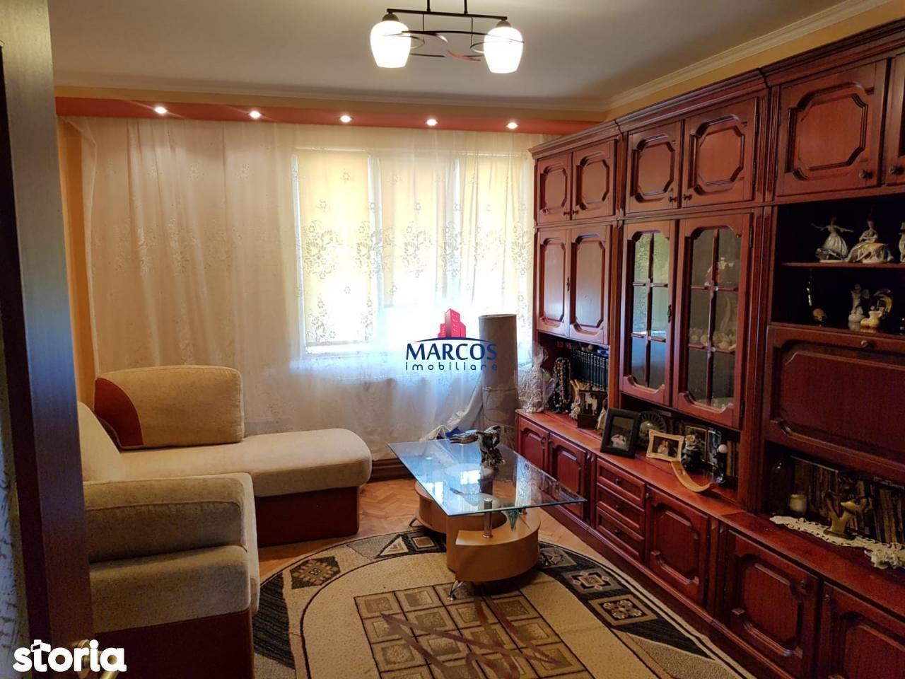 Apartament de vanzare, Resita, Caras-Severin, Centrul Civic - Foto 1