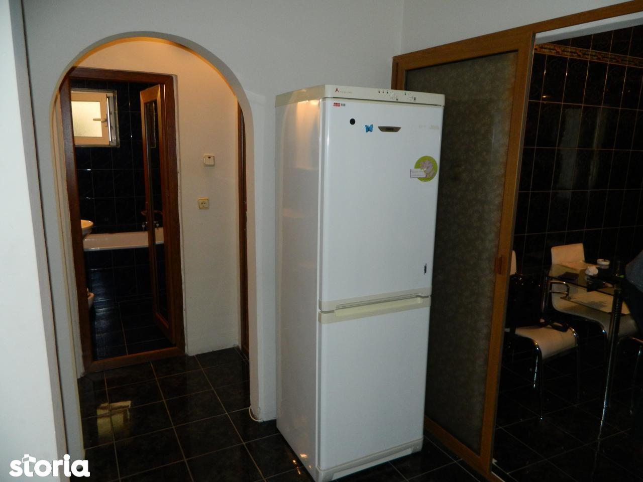 Apartament de vanzare, Galați (judet), Micro 14 - Foto 9