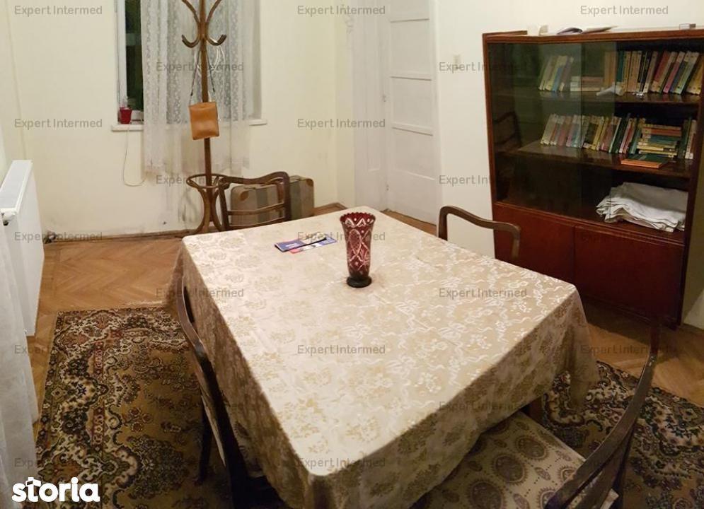 Apartament de inchiriat, Iași (judet), Strada Nicolae Bălcescu - Foto 1