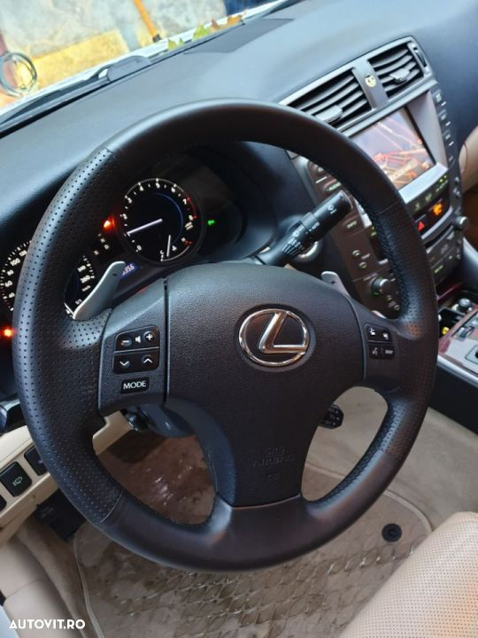Lexus Seria IS IS250 - 13