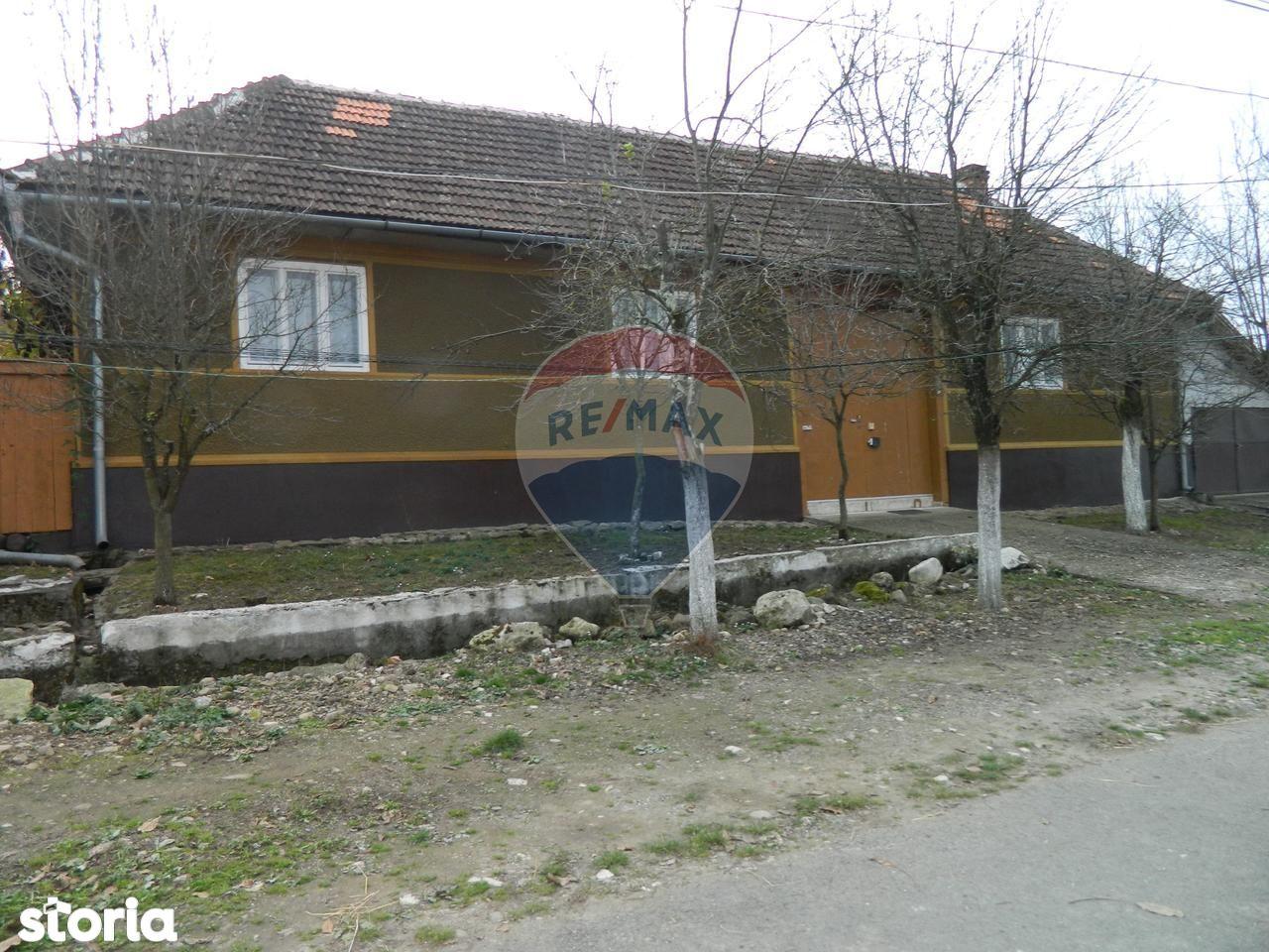 Casa de vanzare, Arad (judet), Strada Narciselor - Foto 1