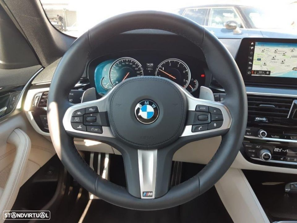 BMW 530 d Touring Auto Pack M - 6