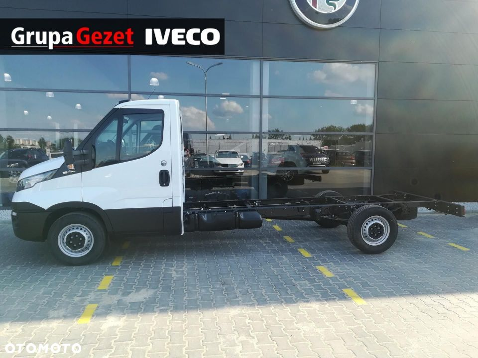 Iveco Daily  35S18 rozstaw osi 4100 - 4