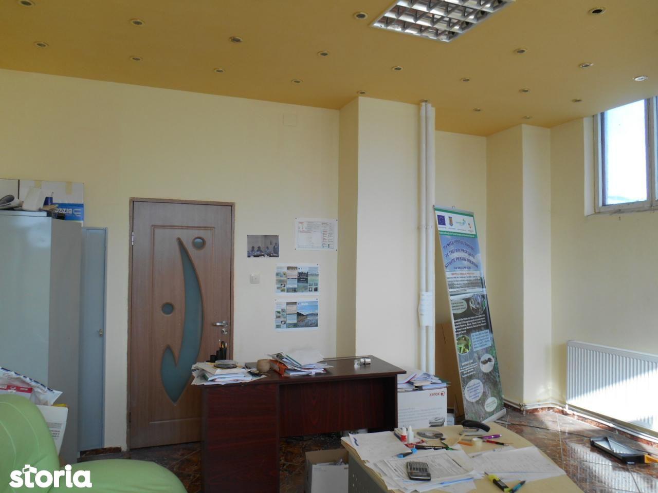 Spatiu Comercial de inchiriat, Bacău (judet), Centru - Foto 2