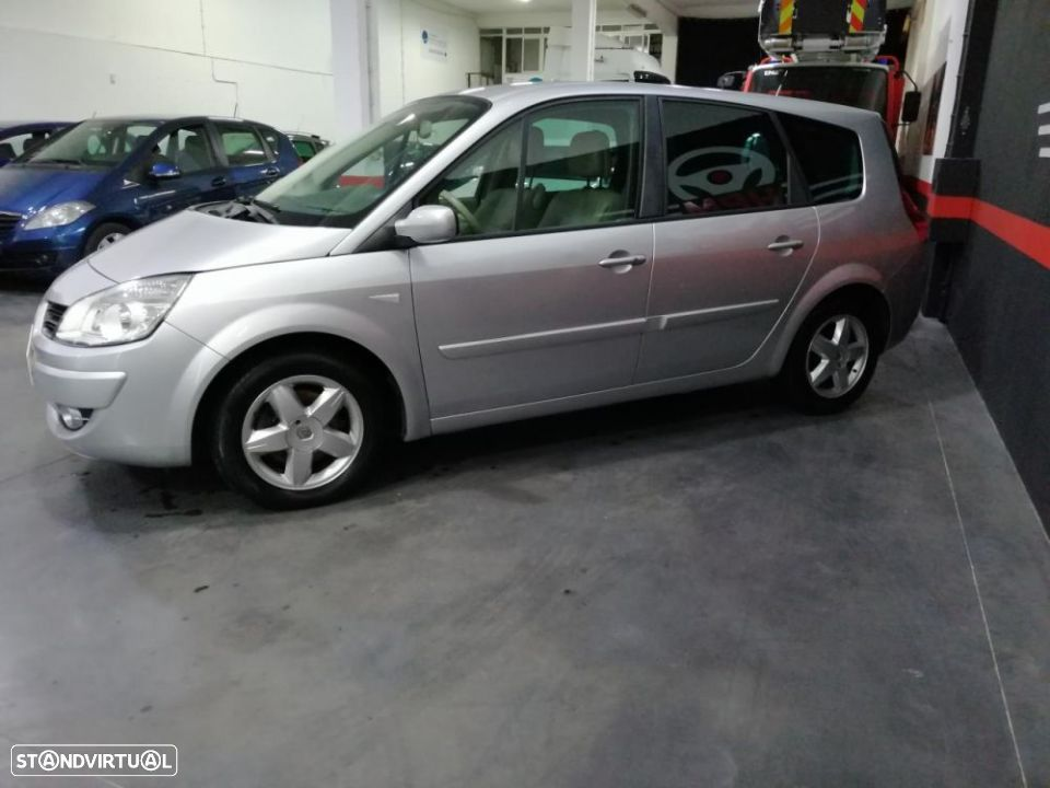 Renault Grand Scénic 1.5 dCi SL Exclusive II - 4