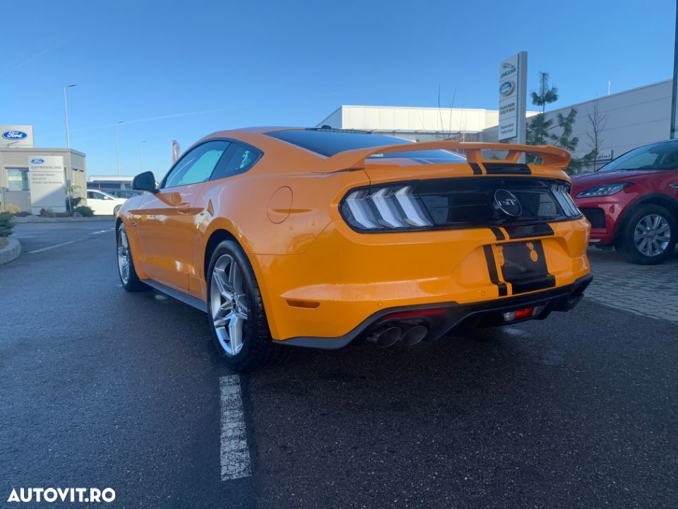Ford Mustang - 10