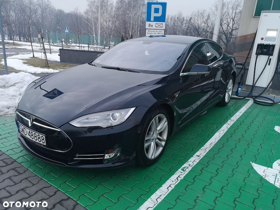Tesla Model S Performance - 1