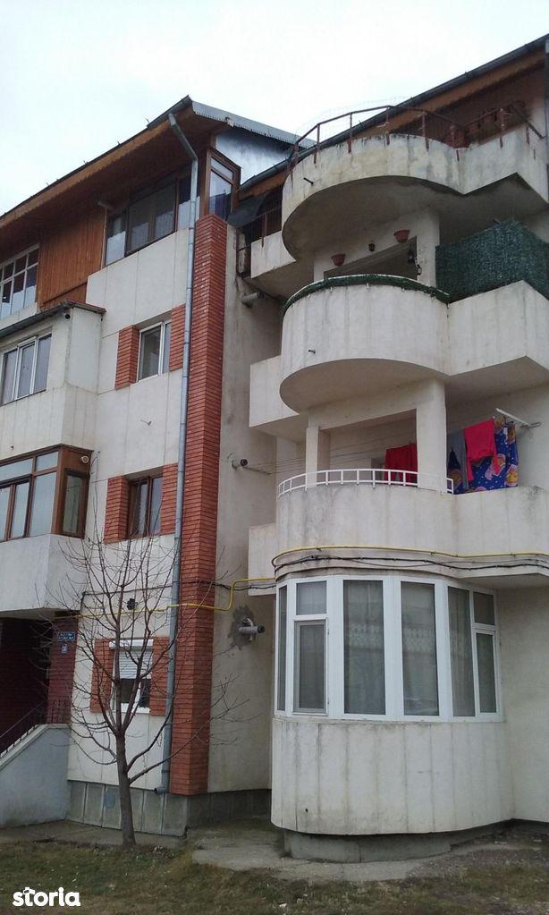 Apartament de vanzare, Husi, Vaslui - Foto 1