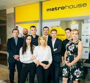 To ogłoszenie dom na sprzedaż jest promowane przez jedno z najbardziej profesjonalnych biur nieruchomości, działające w miejscowości Konstancin-Jeziorna, piaseczyński, mazowieckie: Sadyba Metrohouse