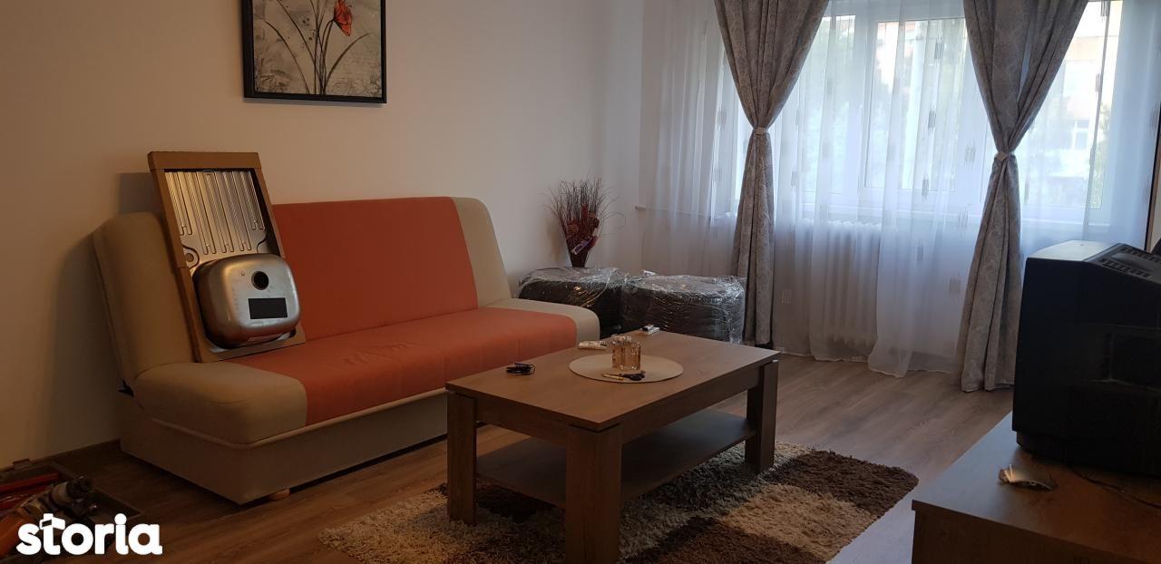Apartament de inchiriat, Dolj (judet), Strada Virgil Madgearu - Foto 1