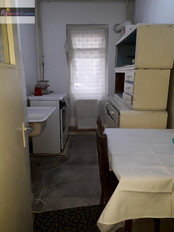 Apartament de vanzare, Dâmbovița (judet), Strada 10 Mai - Foto 1