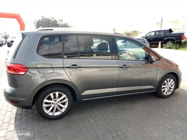VW Touran 1.6 TDI Confortline - 8