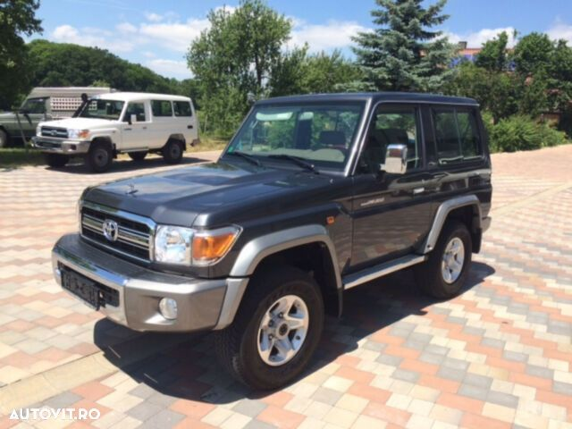 Toyota Land Cruiser - 3