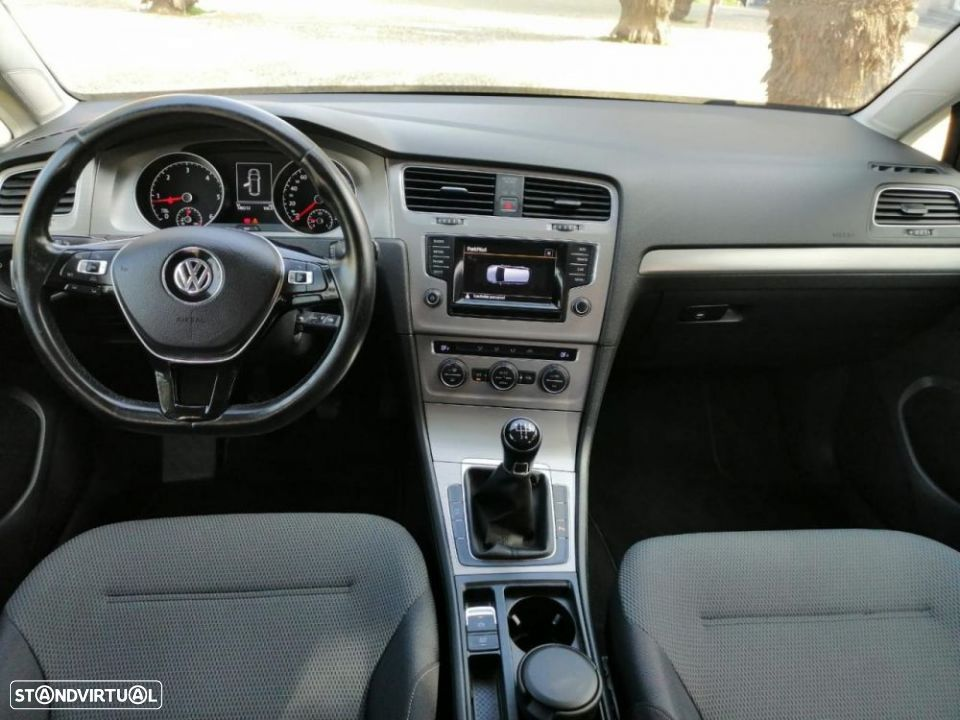 VW Golf Variant 1.6 TDi Confortline - 6