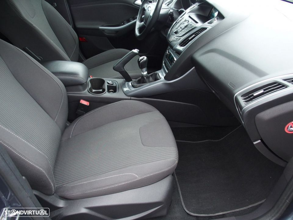 Ford Focus SW 1.6 TDCI Trend Econetic - 24
