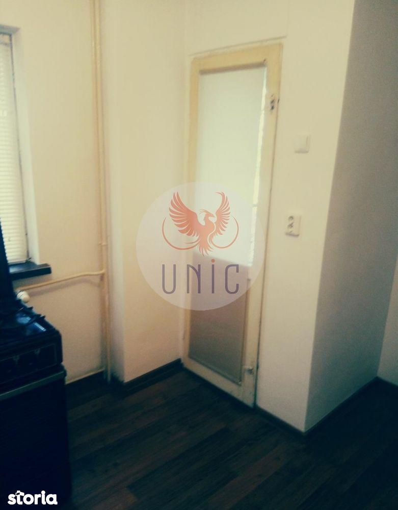Apartament de vanzare, Dolj (judet), 1 Mai - Foto 3