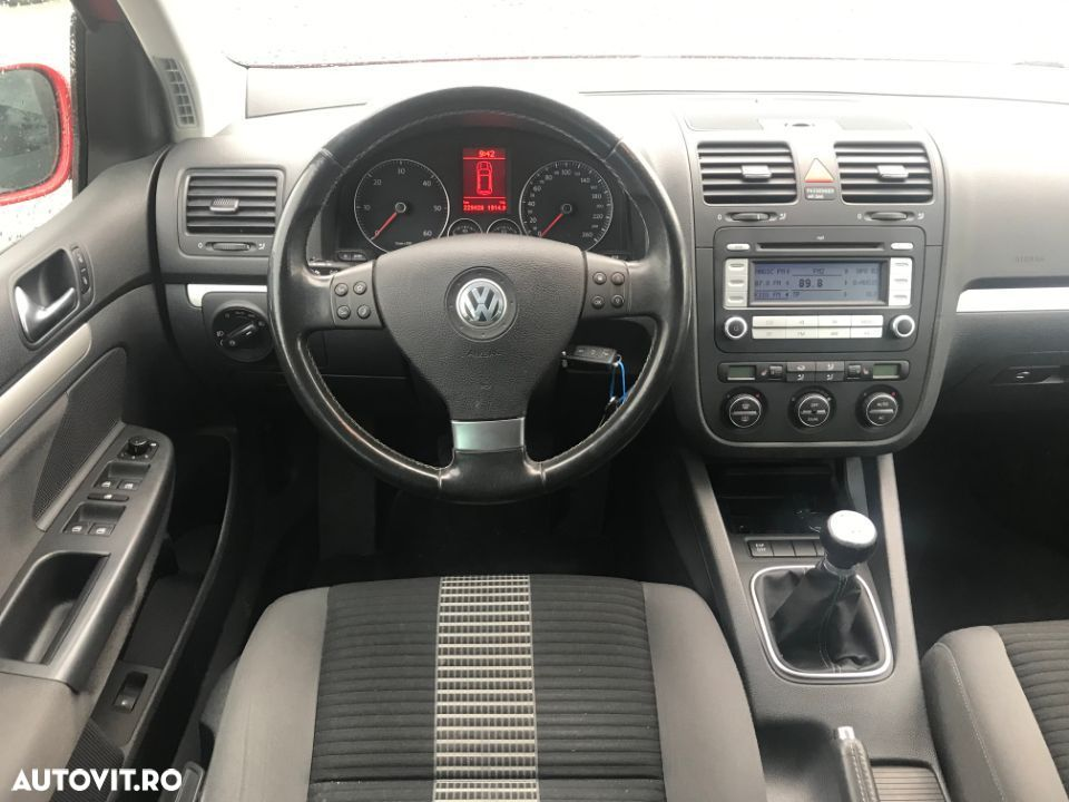 Volkswagen Golf V - 11