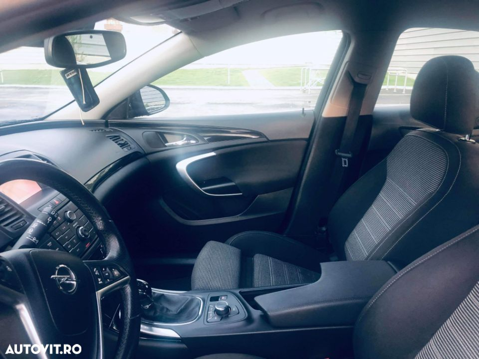 Opel Insignia COUNTRY - 1