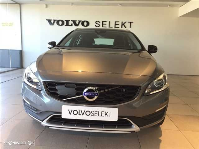 Volvo V60 Cross Country 2.0 D3 Momentum Geartronic - 5
