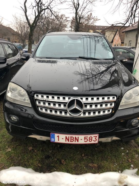 Mercedes-Benz M ML - 12