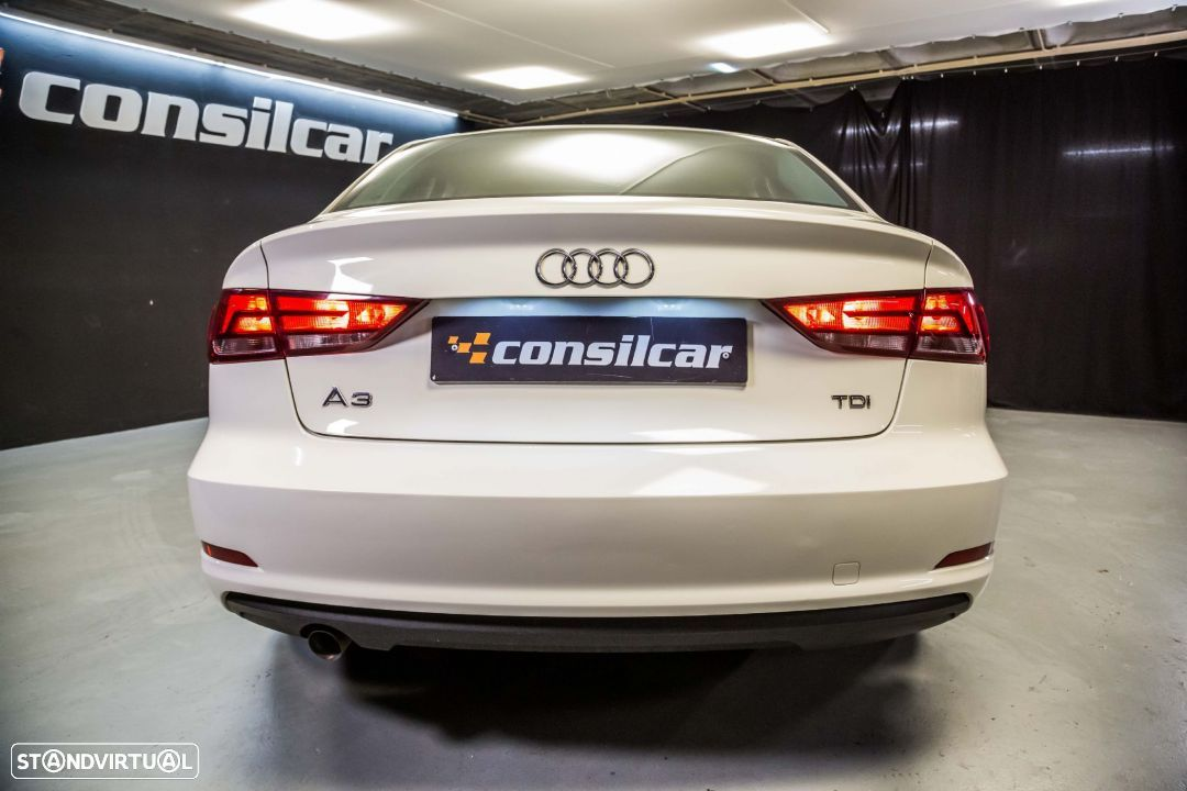 Audi A3 Limousine 1.6TDI M6 Attraction Pack - 5