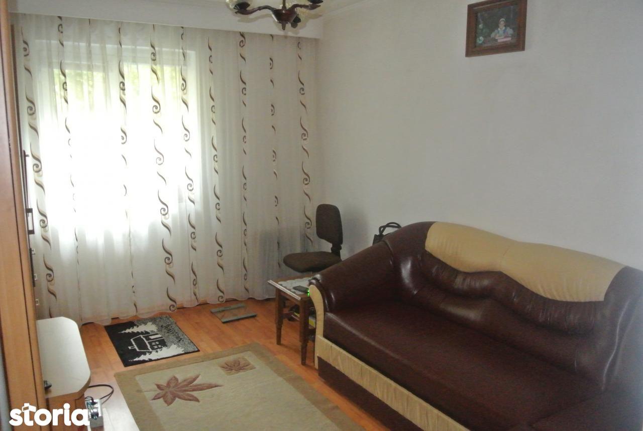 Apartament de vanzare, Argeș (judet), Războieni - Foto 2