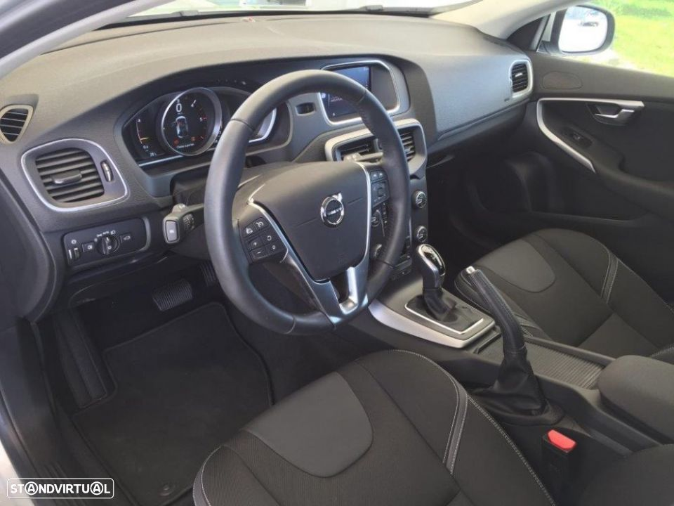 Volvo V40 2.0 d2 momentum geartronic - 11