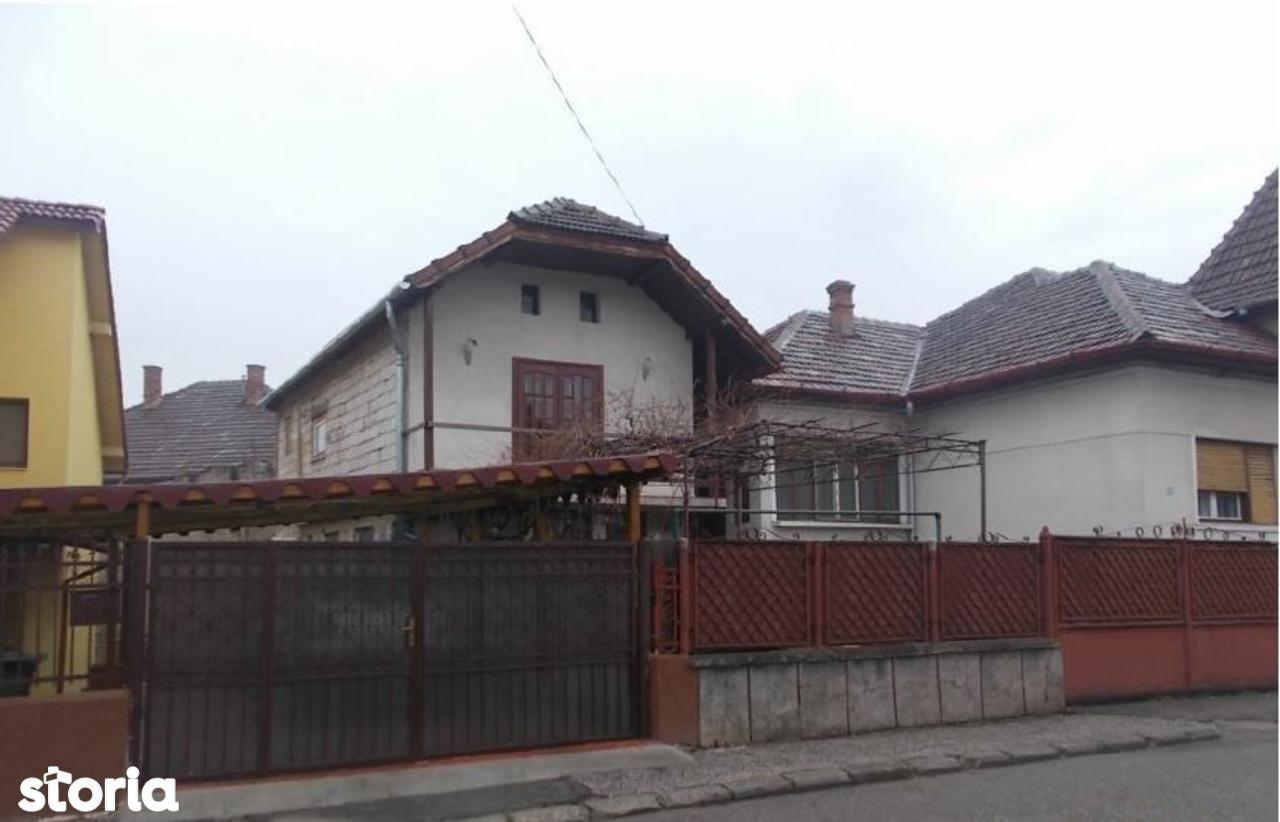 Casa de vanzare, Hunedoara (judet), Strada Simion Barnuțiu - Foto 1