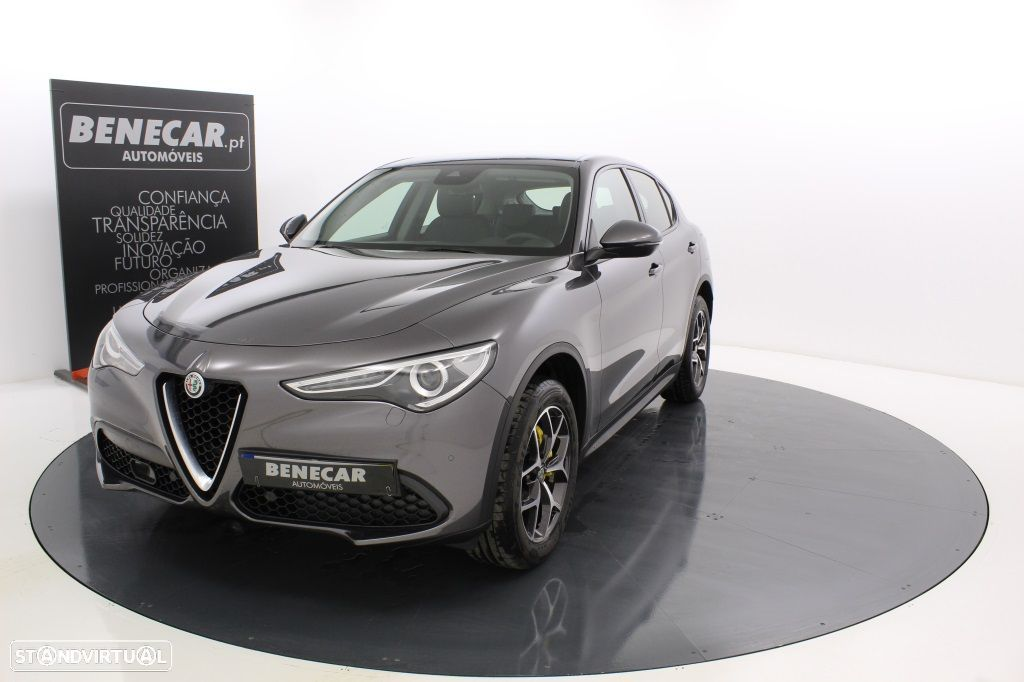 Alfa Romeo Stelvio 2.2 Turbo Q4 Super AT8 210cv Cx. Aut. GPS / Cam. Traseira - 13
