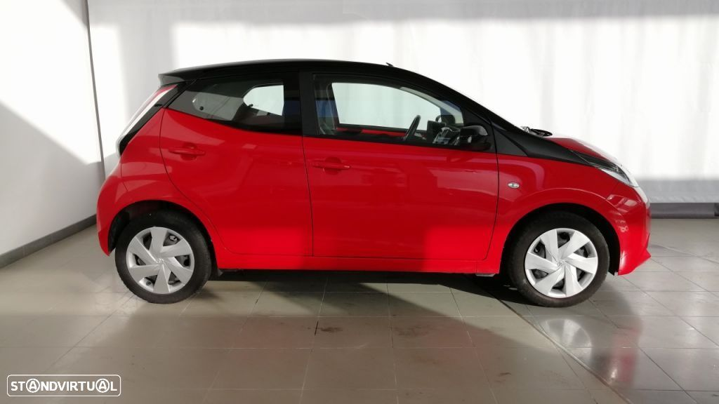 Toyota Aygo 5P 1.0 x-play + A+ x-touch - 6