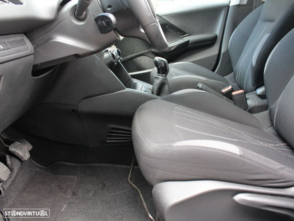 Peugeot 208 1.4 HDi Active - 15