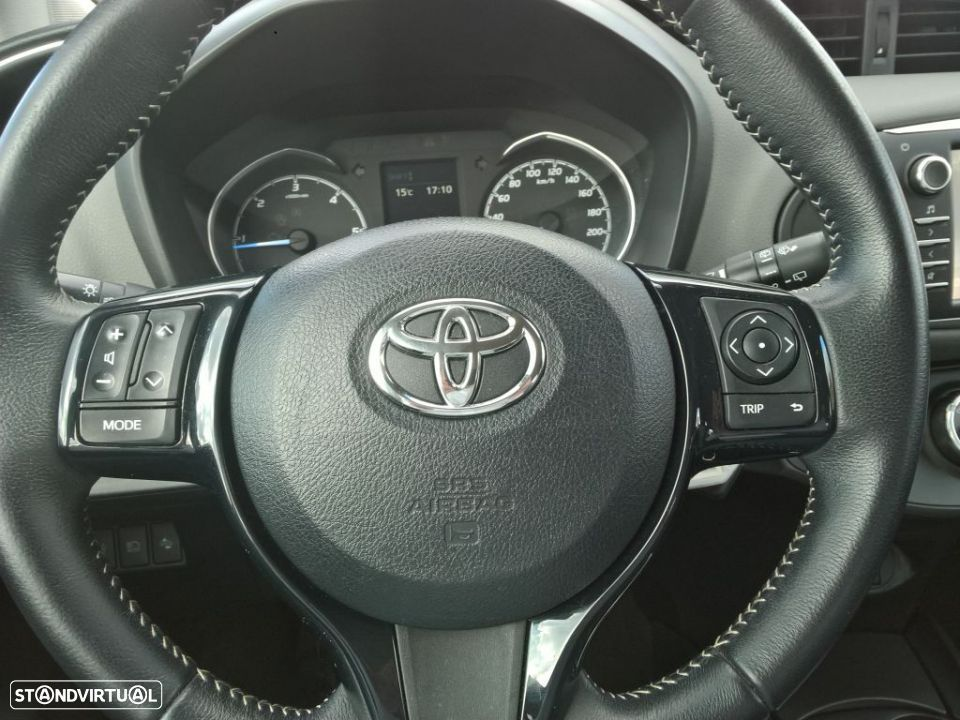 Toyota Yaris 1.4D 5P Comfort + Pack Style - 11
