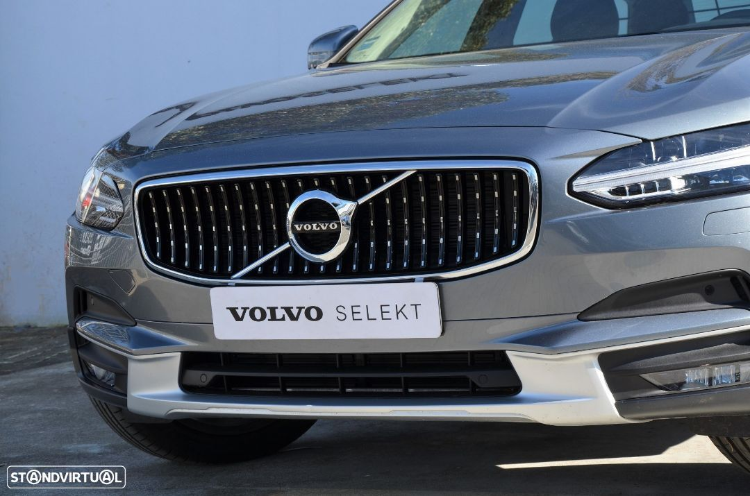 Volvo V90 Cross Country D4 AWD Geartronic - 25