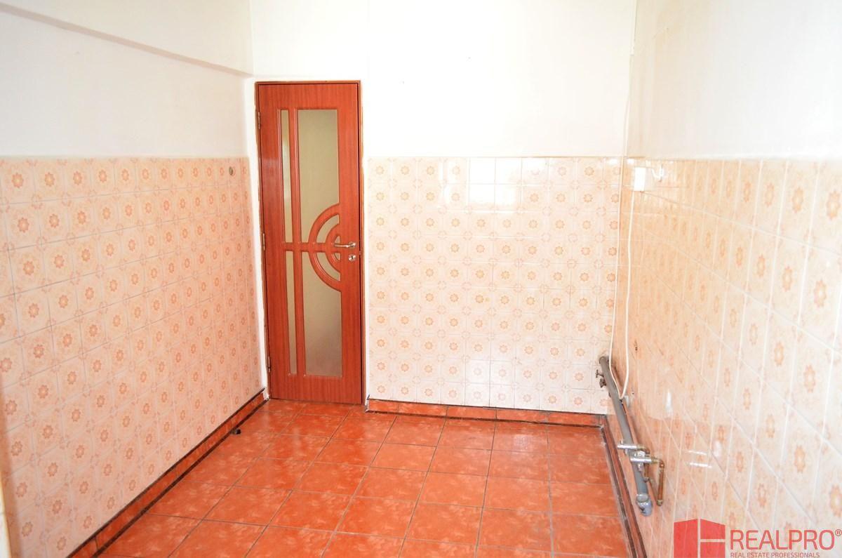 Apartament de vanzare, Vâlcea (judet), Strada Gabriel Stoianovici - Foto 6