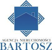 To ogłoszenie dom na sprzedaż jest promowane przez jedno z najbardziej profesjonalnych biur nieruchomości, działające w miejscowości Szprotawa, żagański, lubuskie: Agencja Nieruchomości BARTOSZ