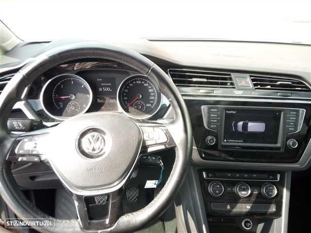 VW Touran 1.6 TDI Confortline - 12