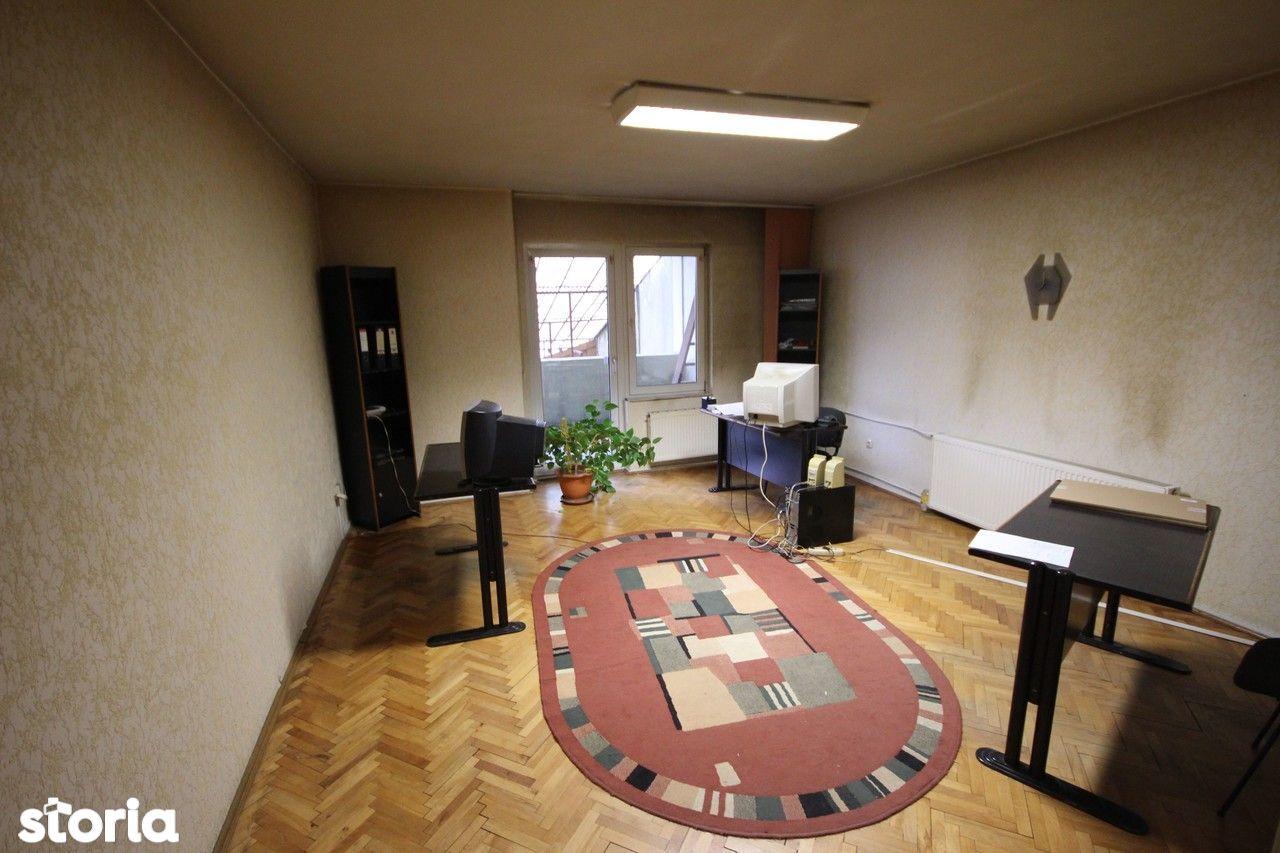 Birou de vanzare, Timiș (judet), Strada Cozia - Foto 1