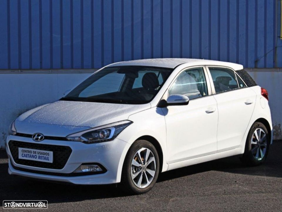 Hyundai i20 1.2 84Cv Blue Comfort+Pack Look - 1