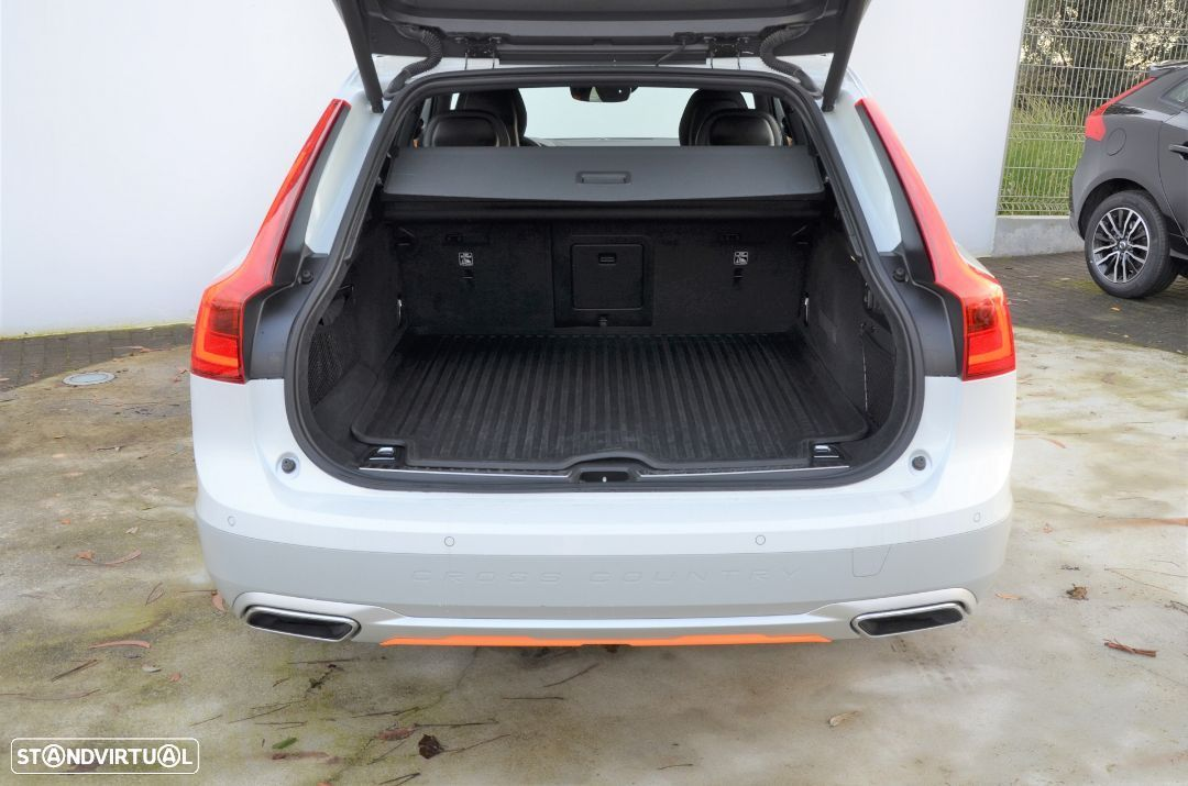 Volvo V90 Cross Country D5 AWD Volvo Ocean Race Geartronic - 23
