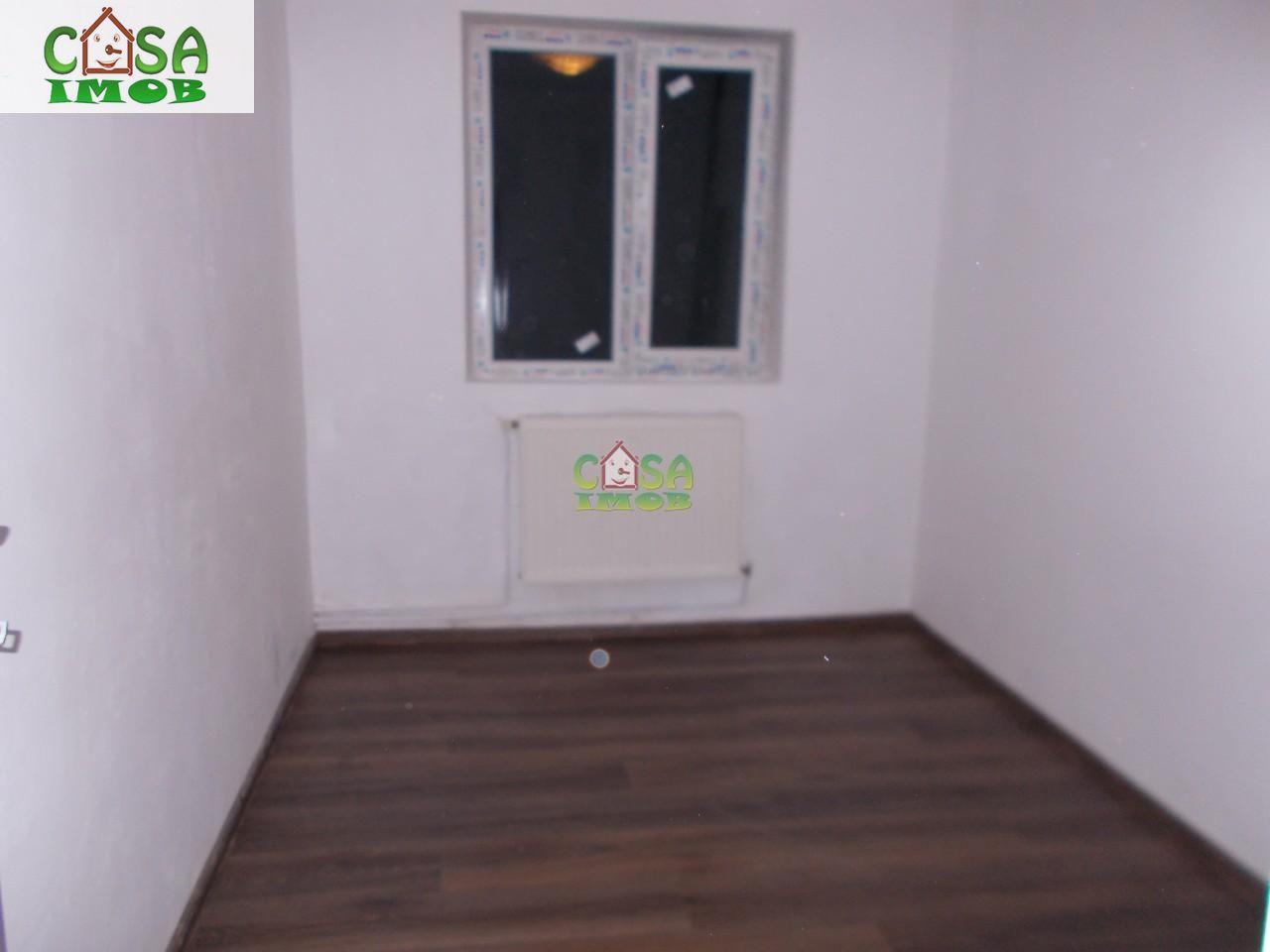 Apartament de vanzare, Dâmbovița (judet), Centru - Foto 9