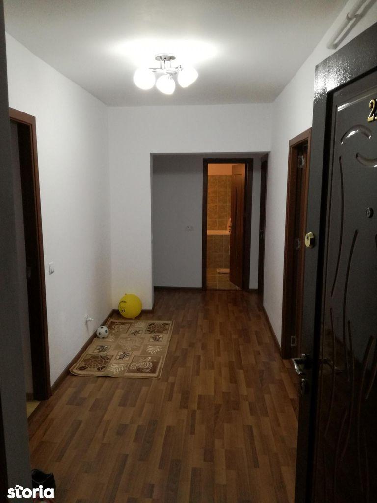 Apartament de vanzare, Vâlcea (judet), Nord - Foto 1