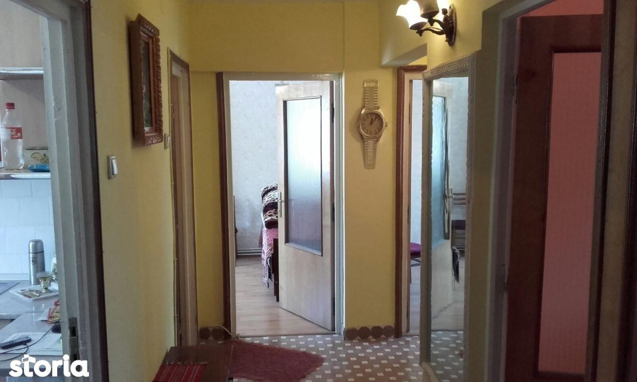 Apartament de vanzare, Piatra Neamt, Neamt, 1 Mai - Foto 1